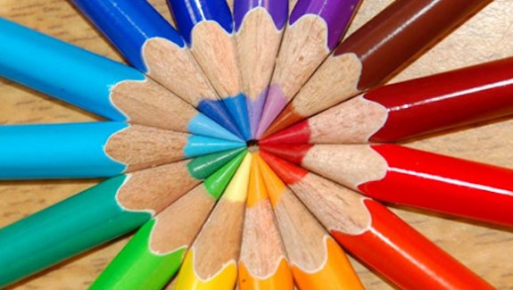 color-wheel-pencils